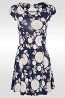 Luchtig kleedje met watervalkraag en strik op de rug, Marineblauw