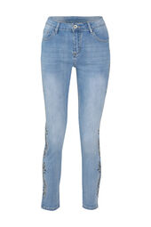 Jeans met borduurwerk en strassteentjes